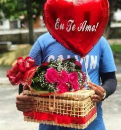 Baús personalizado + rosas