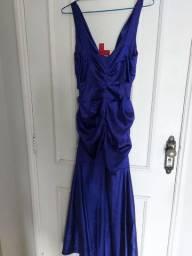 Vende-se vestido roxo
