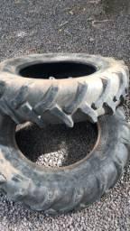 Par de pneus 12.4 x 24
