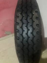 Vendo pneu caminhão 900x20