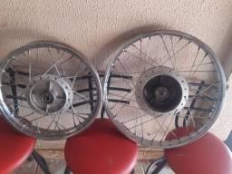 Vendo PAR de  rodas original da biz, tá zera