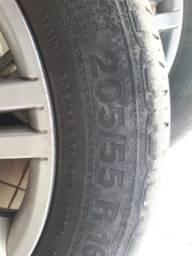 Roda de fiat aro 16 com pneus