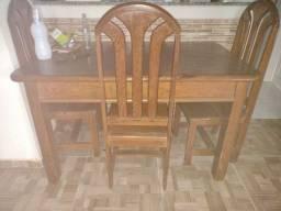 Conjunto de mesa c/ quarto cadeiras.