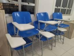 Título do anúncio: Cadeira de Sala de Aula Azul
