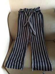 Calça preta listrada