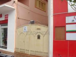Casa para alugar com 3 dormitórios em Centro, Sertaozinho cod:L5474