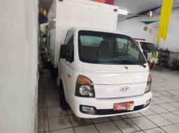 Hyundai HR baú isolado 14