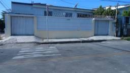 CA0116 - Casa com 3 dormitórios para alugar por R$ 1.600/mês - Tauape