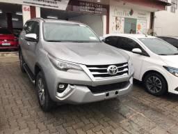 Toyota Hillux SRX 2019 7 lugares 7 mil km