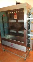 Máquina de frango assado