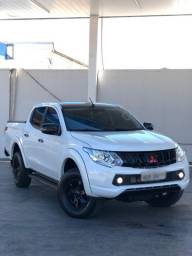 Camioneta L200 Triton HPE S 190cv 4x4 Diesel 2018
