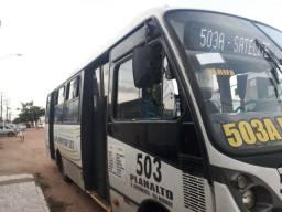 Microônibus lo 915 ano 2010/10
