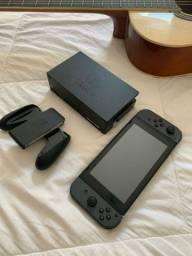Nintendo Switch + 2 Jogos (Crash Trilogy, Zelda)