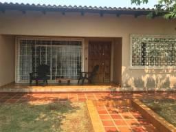 Casa no Campos do Iguaçu, com 2 terrenos, sendo de esquina e outro sobre esquina