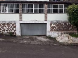 Casa 4/4  em Itapoã  aluguel R $1.800.00