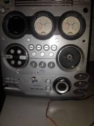 Aparelho de som problema na entrada de som, mais duas caixa de som preço 150,00 reais.