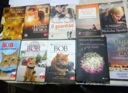 KIT com 18 livros