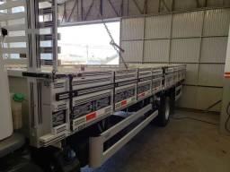 Carroceria de madeira 6.30 mts de comprimento