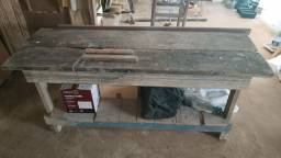 Bancada tampo em madeira nobre maciça para trabalho