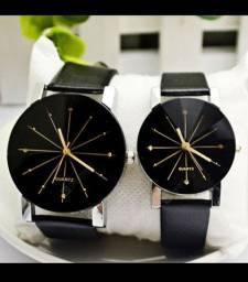 Lindo Relógio Quartz com pulseira de couro