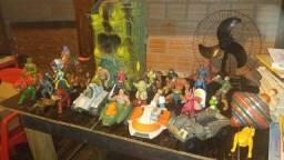 Lote de brinquedos antigos he man e comandos
