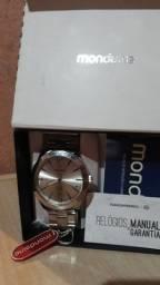 Relógio original MONDAINE