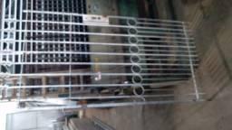Portão ferro maciço- 0.94 x 2.00m.
