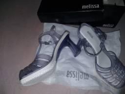 Vendo Melissa e (Sandálias Via mia) Originais nunca usadas (Tudo Tamanho 36