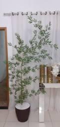 Vaso com bambu artificial