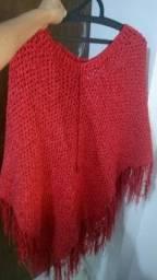 Poncho vermelho lindo e quentinho