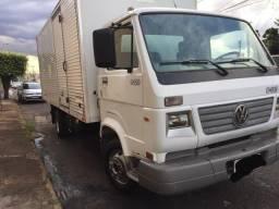 Vendo Caminhão VOLKSWAGEN  8-120