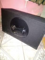 Caixa acústica selada