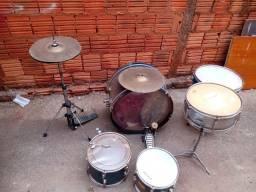 Vendo bateria de percussão