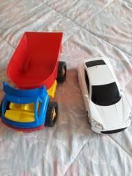 Brinquedos Caminhão e carro (grandes)