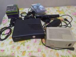 X-box 360 desblo + 2 controles + 20 jogos + conversor + kitnet + adaptador para tv de tubo