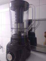 Liquidificador Britânia turbo 900w