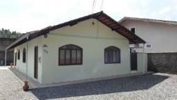 Casa de Esquina - Parque Guarani