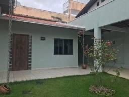 Lugar tranquilo para morar - Casa reformada no bairro das nações