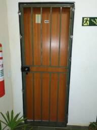 Grade de proteção para portas