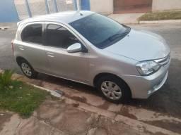 Toyota Etios 1.5 xs - 2014