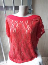 Blusa de renda vermelha