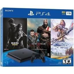 Playstation 4 com 3 jogos