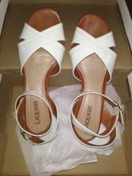 Sandália laquesis