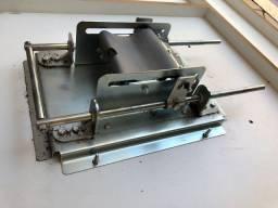 Máquina de enrolar cigarro de palha