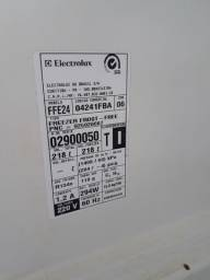 FREEZER VERTICAL ELECTROLUX