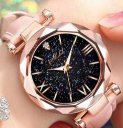 Relógio Rosa com bisel dourado