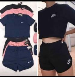 Conjuntos de shorts  da Nike feminino