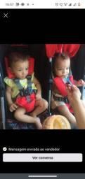 Carro de bebê gêmeos