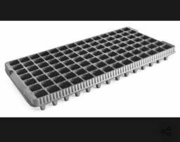Bandeja Para Produção De Mudas 98 Células - 140 Unidades