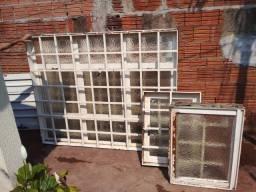 4 janelas seme novas por 1.000